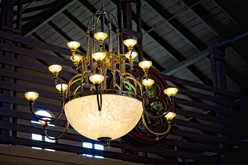 old_spaghetti_factory_chandelier.jpg